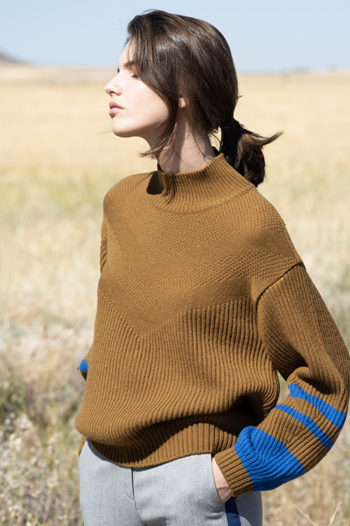 9042 Harold knit (camel brown)