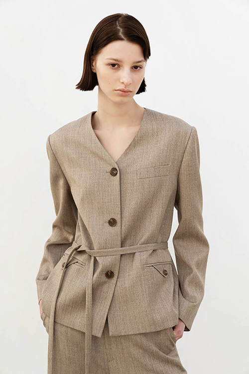 COLLARLESS 3BUTTON JK (BEIGE)
