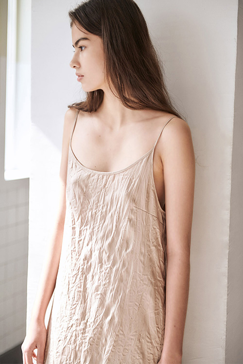 CREASE SLIP ONE-PIECE (BEIGE)
