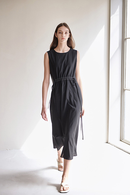 [SUMMER WOOL] STITCH SLEEVELESS ONE-PIECE (BLACK)